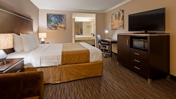 Standard Room, 1 King Bed, Non Smoking, Refrigerator (Oversized Room)