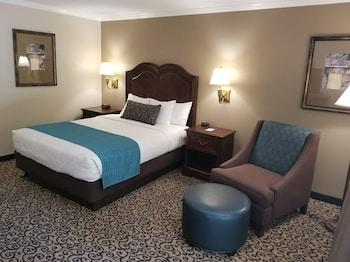 Standard Room, 1 Queen Bed, Accessible, Ground Floor