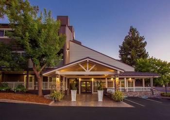 貝斯特韋斯特普拉斯葡萄園飯店 Best Western Plus Inn At The Vines