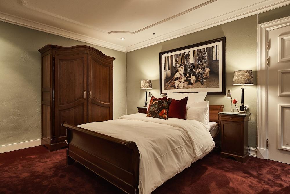 https://i.travelapi.com/hotels/1000000/20000/11400/11356/cb4aac88_z.jpg