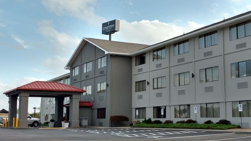 . Country Inn & Suites by Radisson, Abingdon, VA