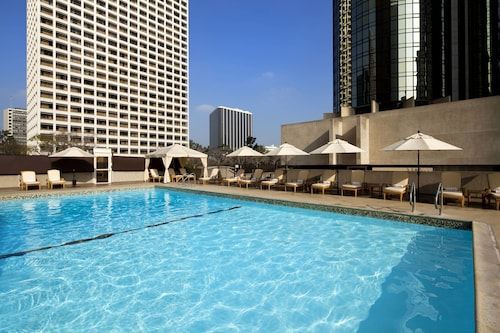 . The Westin Bonaventure Hotel and Suites, Los Angeles