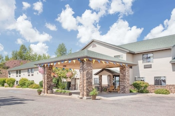 Days Inn by Wyndham Iron Mountain