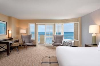 Pool Terrace, 1 King Bed, Pool & Ocean View