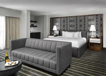 Luxury Suite, 1 King Bed, Balcony