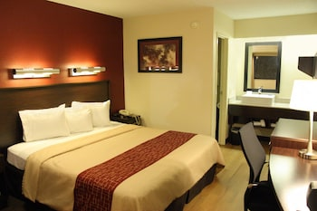 Philadelphia Vacations - Red Roof Inn PLUS+ Philadelphia Airport - Property Image 4