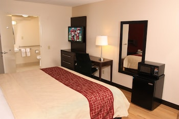 Philadelphia Vacations - Red Roof Inn PLUS+ Philadelphia Airport - Property Image 7
