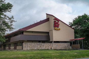 Exterior at Red Roof Inn PLUS+ Philadelphia Airport in Essington