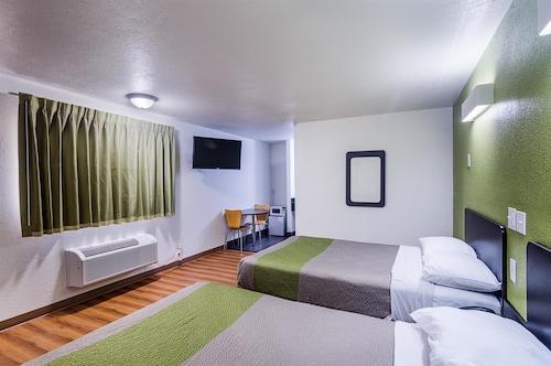 . Motel 6 Childress, TX