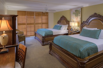 Standard Room (1 King Bed or 2 Queen Beds)