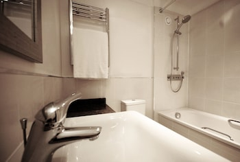 Humber Royal Hotel - Bathroom  - #0