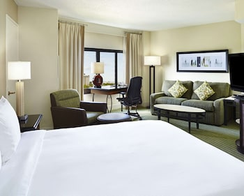 Junior Suite, 2 Queen Beds, Accessible (Hearing)