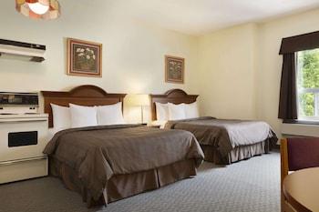 2 Queen Beds, Efficiency, Non-Smoking