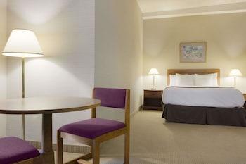 1 Queen Bed, Accessible, Non-Smoking