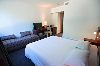 Superior Üç Kişilik Oda (1 Double And 1 Single Bed)
