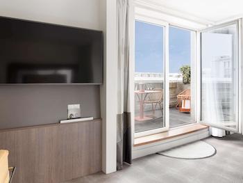 Executive Room, 1 Queen Bed, Terrace