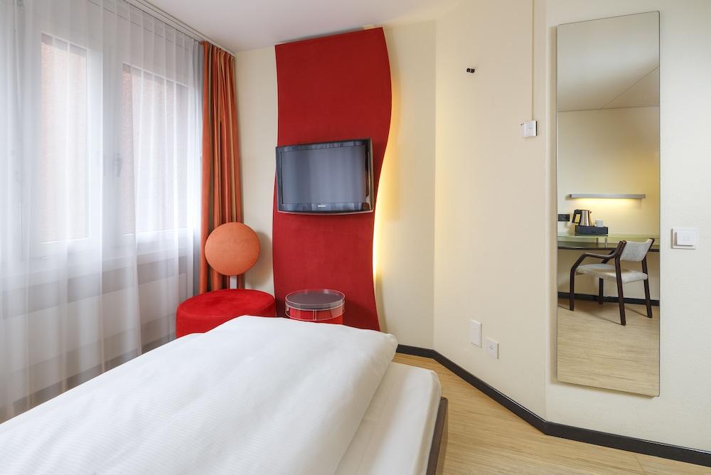 호텔 뒤 파크(Hotel Du Parc) Hotel Image 19 - Guestroom View