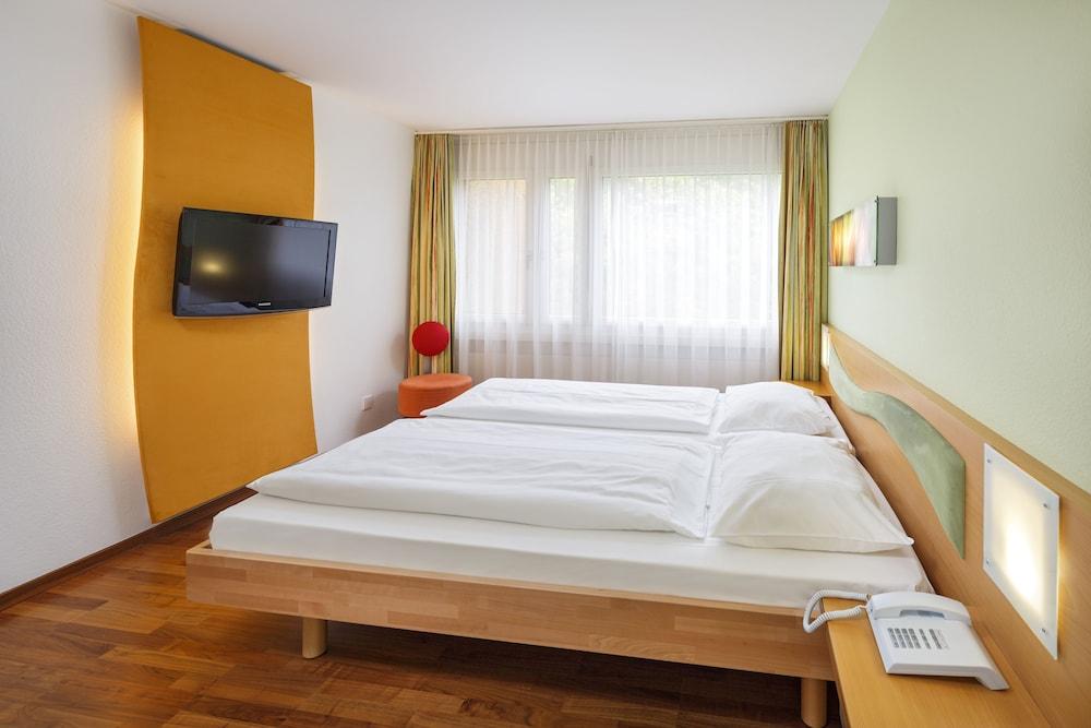 호텔 뒤 파크(Hotel Du Parc) Hotel Image 7 - Guestroom