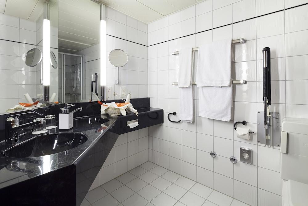 호텔 뒤 파크(Hotel Du Parc) Hotel Image 22 - Bathroom