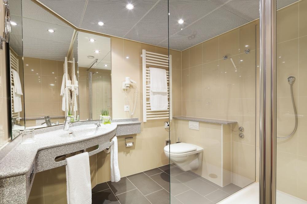 호텔 뒤 파크(Hotel Du Parc) Hotel Image 23 - Bathroom