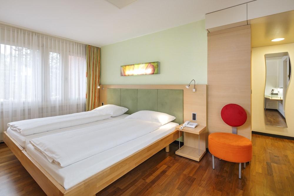 호텔 뒤 파크(Hotel Du Parc) Hotel Image 9 - Guestroom