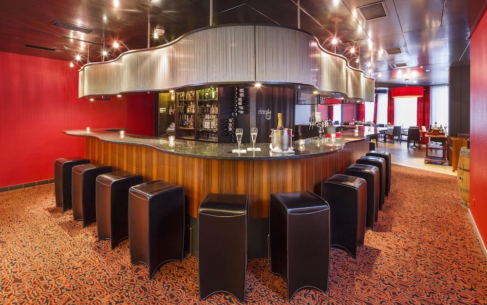 호텔 뒤 파크(Hotel Du Parc) Hotel Image 44 - Hotel Bar