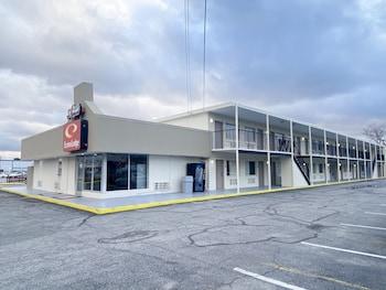 機場伊克諾飯店 Econo Lodge Airport