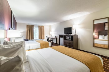 Kearney Vacations - Quality Inn - Property Image 1