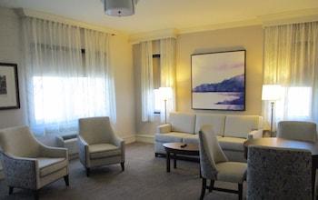 1 Bedroom Junior Suite King Bed