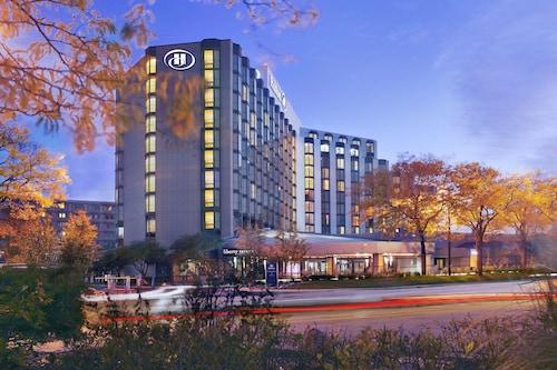 . Hilton Rosemont Chicago O'Hare