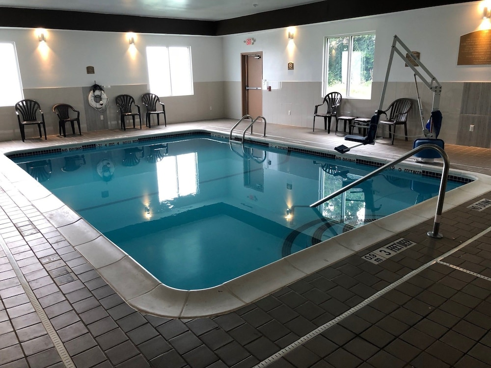 Pool : Indoor Pool 2 of 76