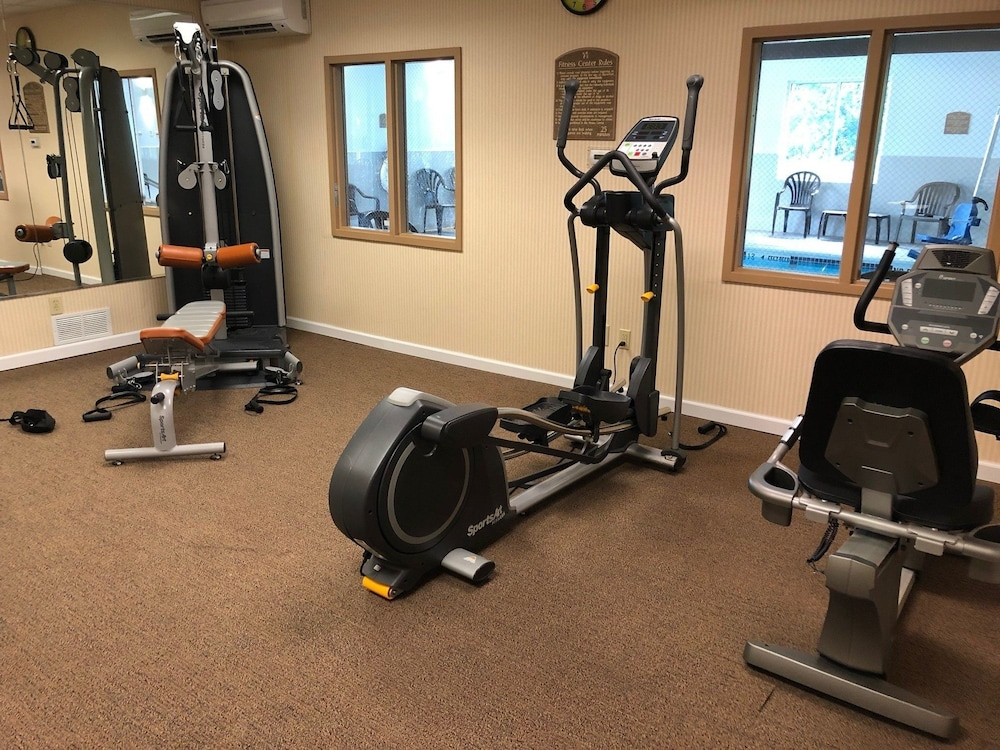 Health and Fitness : Fitness Facility 14 of 76