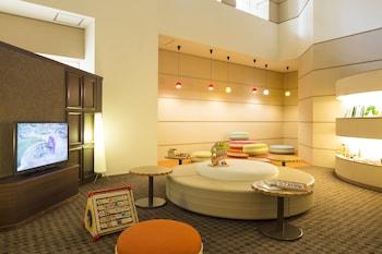 KOBE BAY SHERATON HOTEL & TOWERS Lobby