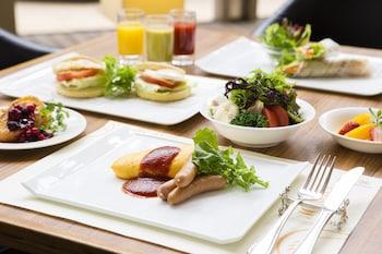 KOBE BAY SHERATON HOTEL & TOWERS Breakfast buffet