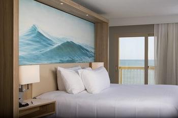 Room, 2 Queen Beds, Non Smoking, Oceanfront (Balcony)