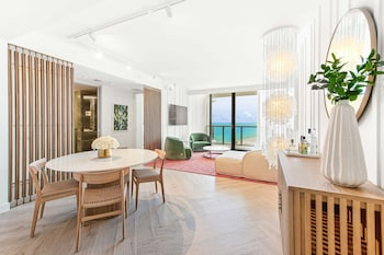 Suite, 1 Bedroom, Non Smoking, Ocean View (Oasis Suite)
