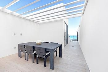 Mega Suite, Suite, 1 King Bed, Non Smoking, Oceanfront