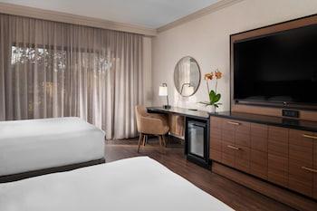 Room, 2 Queen Beds, View