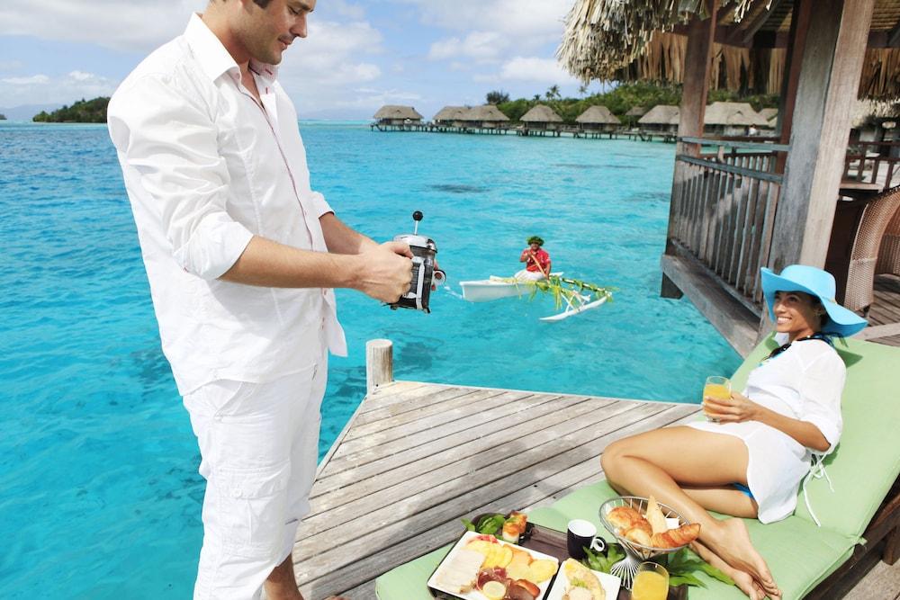 https://i.travelapi.com/hotels/1000000/20000/11900/11894/1d0ad8ec_z.jpg