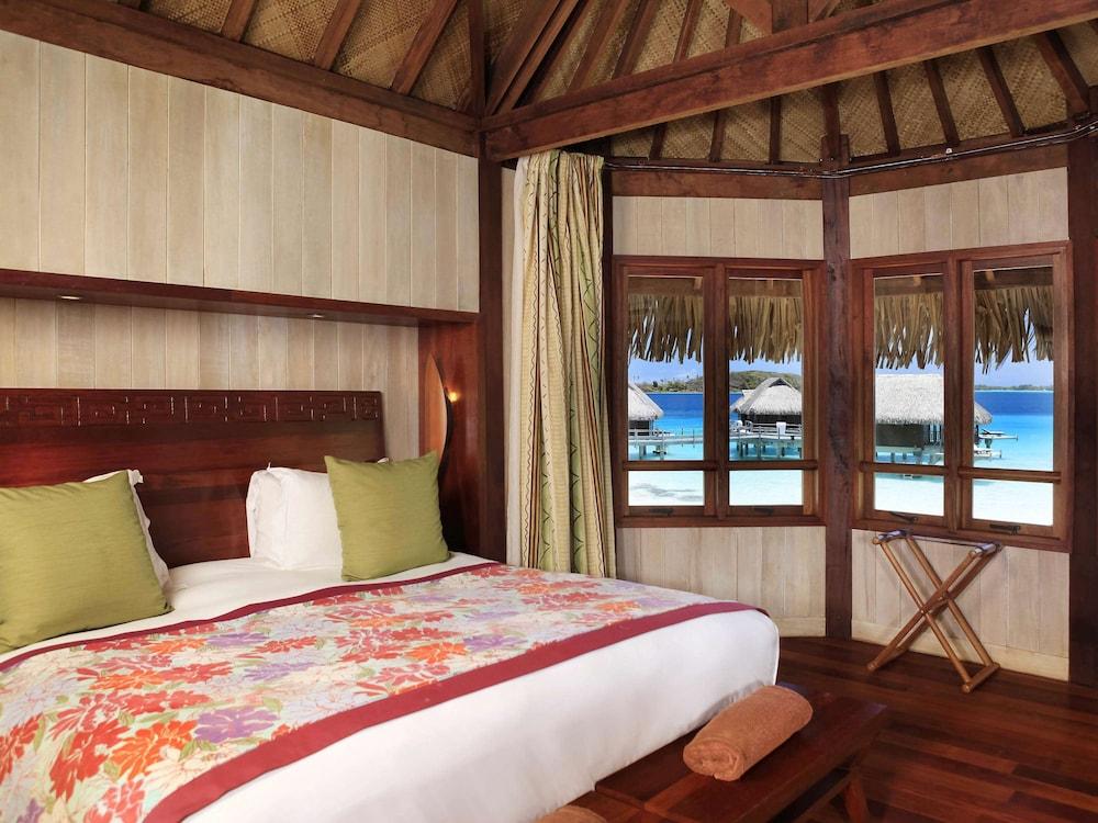 https://i.travelapi.com/hotels/1000000/20000/11900/11894/2d573616_z.jpg