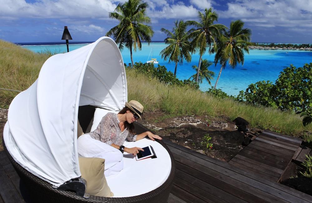 https://i.travelapi.com/hotels/1000000/20000/11900/11894/4685d040_z.jpg