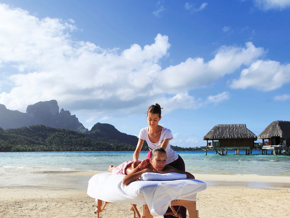 https://i.travelapi.com/hotels/1000000/20000/11900/11894/5ee3ac27_z.jpg
