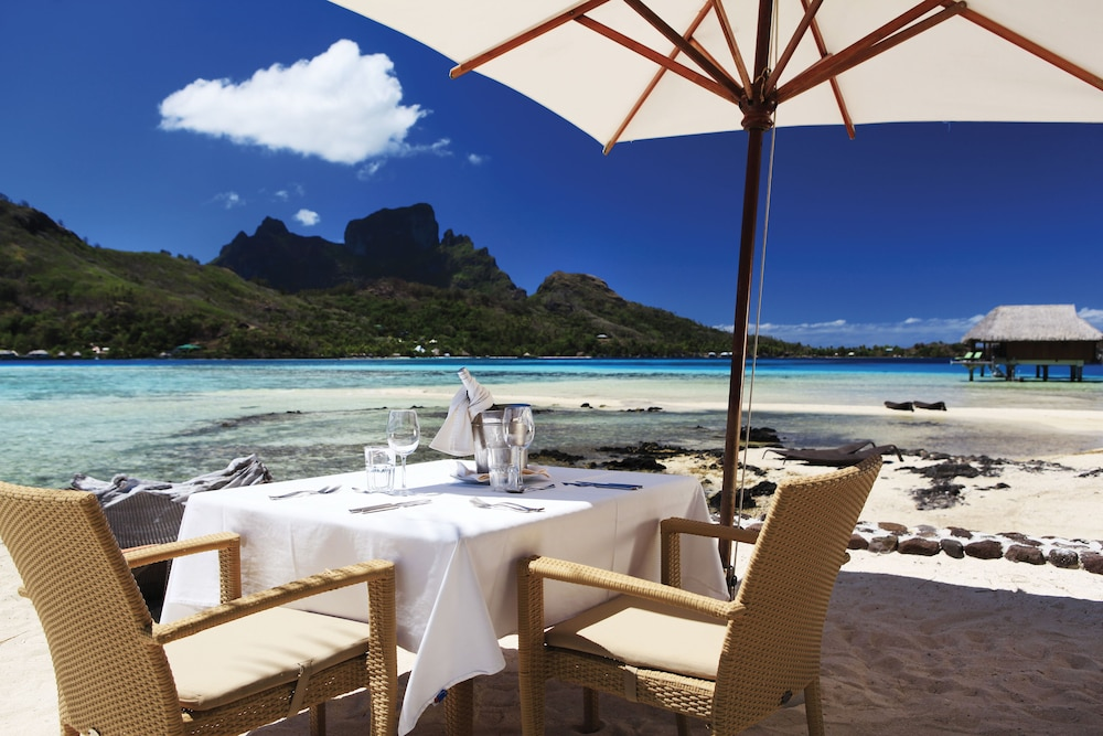 https://i.travelapi.com/hotels/1000000/20000/11900/11894/b057cc7e_z.jpg