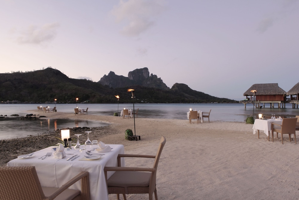https://i.travelapi.com/hotels/1000000/20000/11900/11894/b068ae65_z.jpg