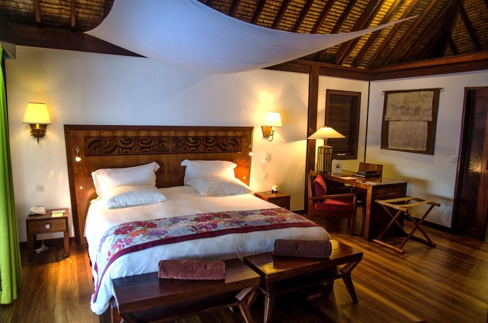 https://i.travelapi.com/hotels/1000000/20000/11900/11894/c7bbcba9_z.jpg