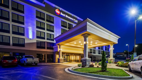 . Best Western Plus Hanes Mall Hotel