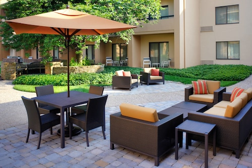 . Courtyard by Marriott Lexington North