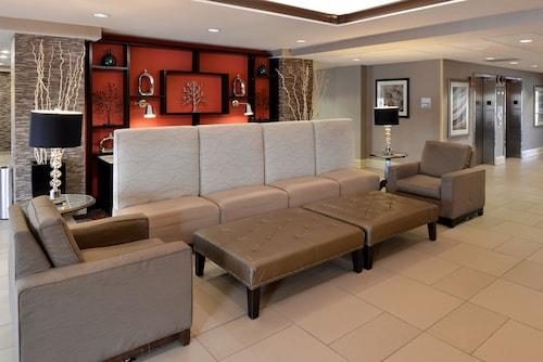 . Holiday Inn Express Crestwood