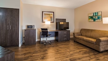 Suite, 1 King Bed, Non Smoking, Refrigerator & Microwave (Shower Only;with Sofabed)