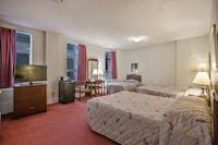 Room (For 5 People) at Hotel Harrington in Washington